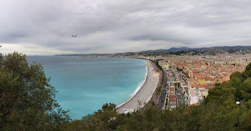 Flying into Nice