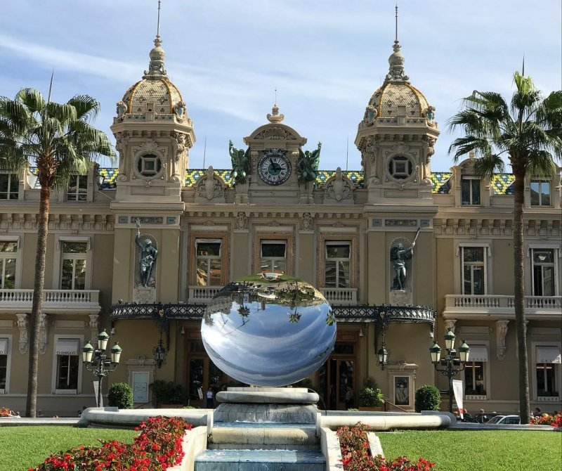 I think I met the man who broke the bank at Monte-Carlo