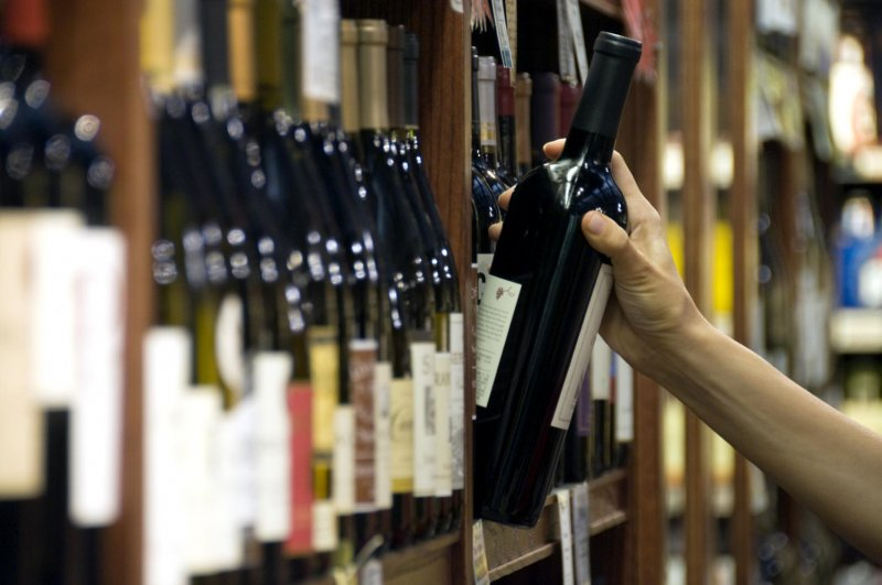 Wine Digest: how prices affect brain chemistry, 'petrol' notes, climate change vs. wine, and more
