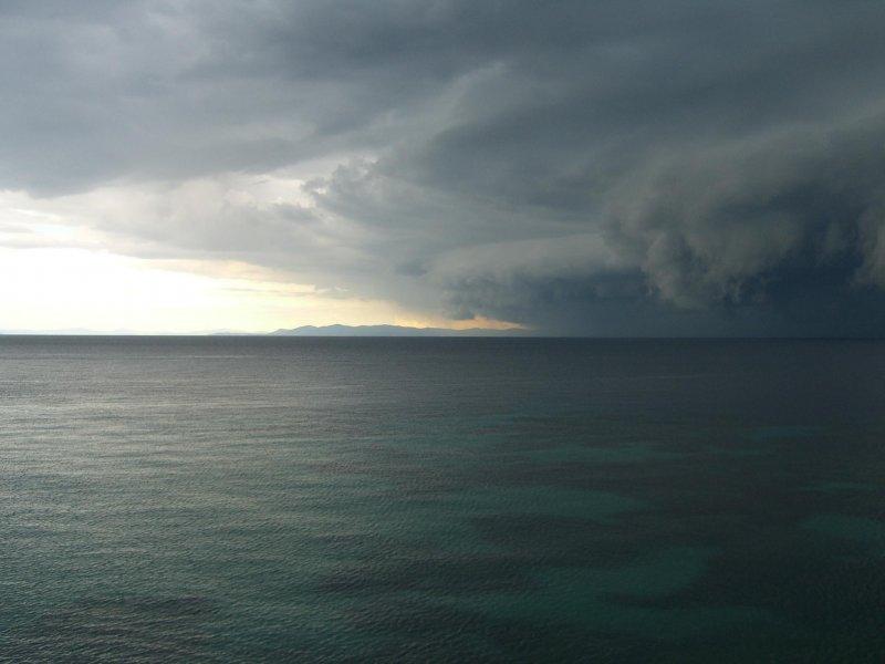 Gewitterfront vor der Isola del Giglio