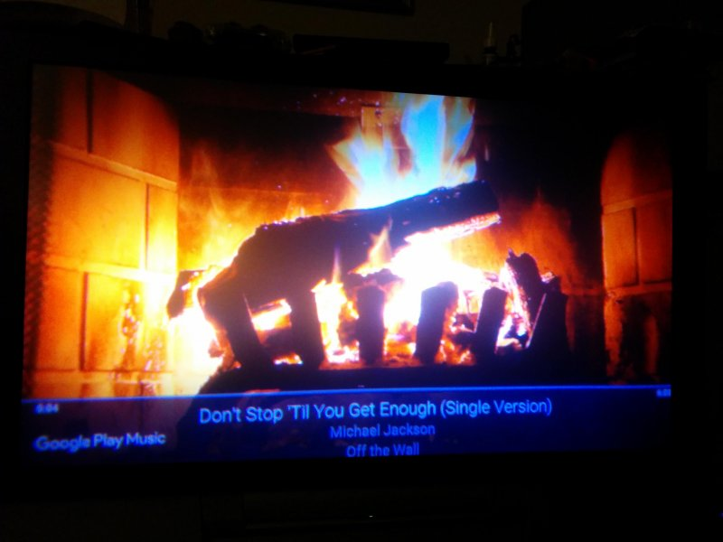 Google Music is doing a Yule Log when you cast to a TV. #winning