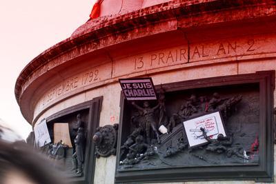 """Ne pas baisser le crayon"" - Plantu (Le Monde, Primidi 21 Nivôse CCXXIII)"